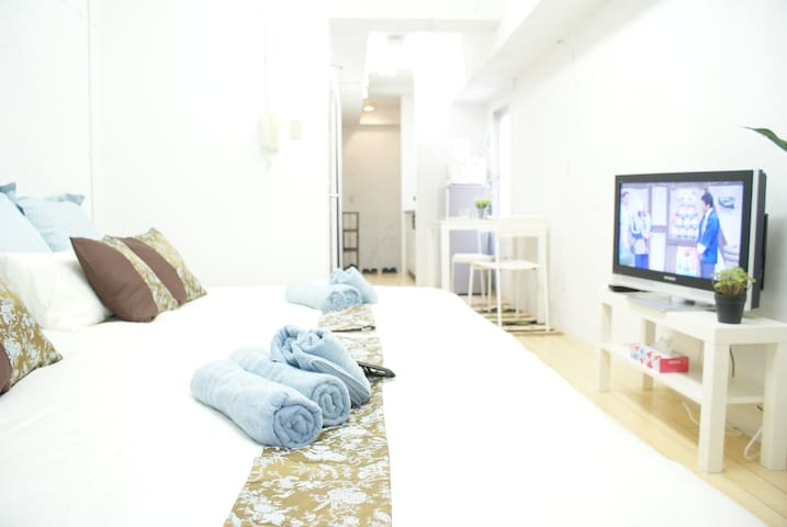 605 Relax at ShinOsaka+Free WIFI TV for 2-4PAX