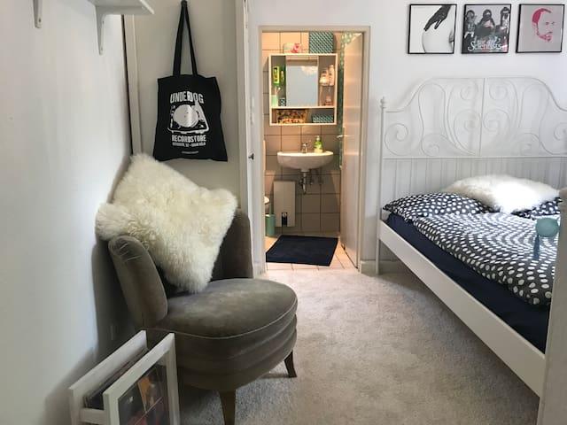 Schöne Einzimmerwohnung in Köln Lindenthal