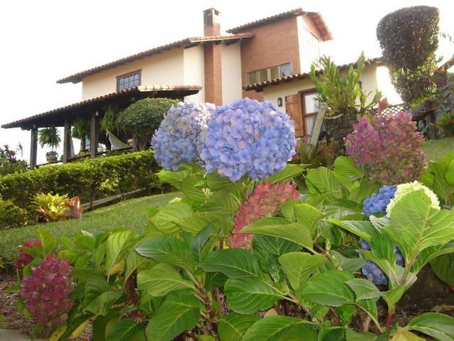 Casa em Miguel Pereira-RJ Conforto e tranquilidade - Miguel Pereira - Cabin