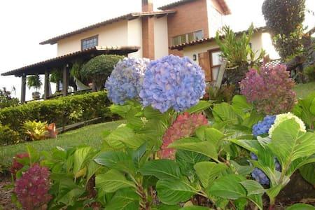 Casa em Miguel Pereira-RJ Conforto e tranquilidade - Miguel Pereira - Blockhütte