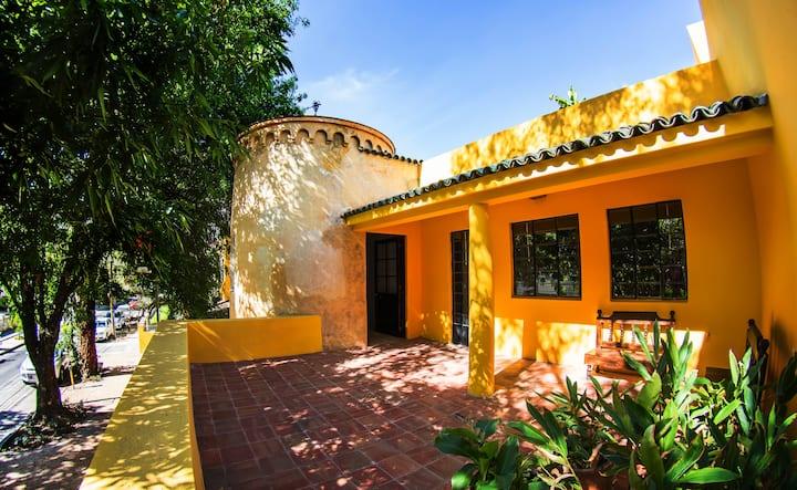 Demetria bungalows / Master Suite por semana