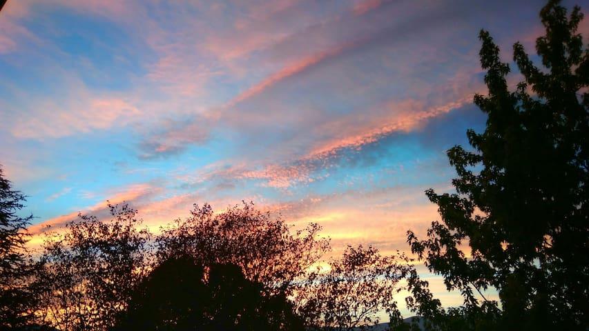 Minimalismo con increíbles vistas - Venturada - 牧人小屋