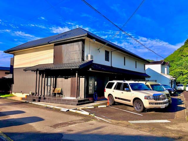 101 Ricco Mond Hills  Apartment House