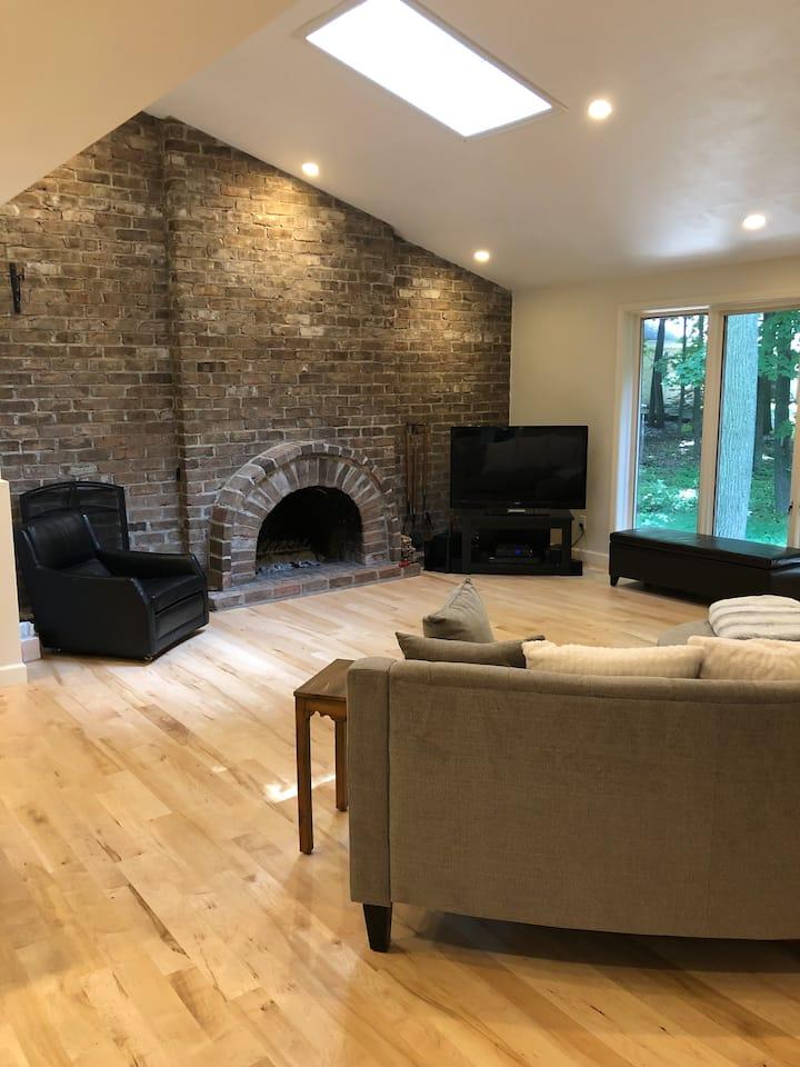 Appleton Wooded Oasis - Hot Tub-6 Star Hospitality