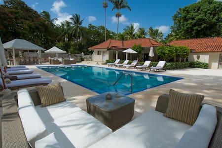 5 bedroom luxury staffed villa near Holetown - Porters - Villa