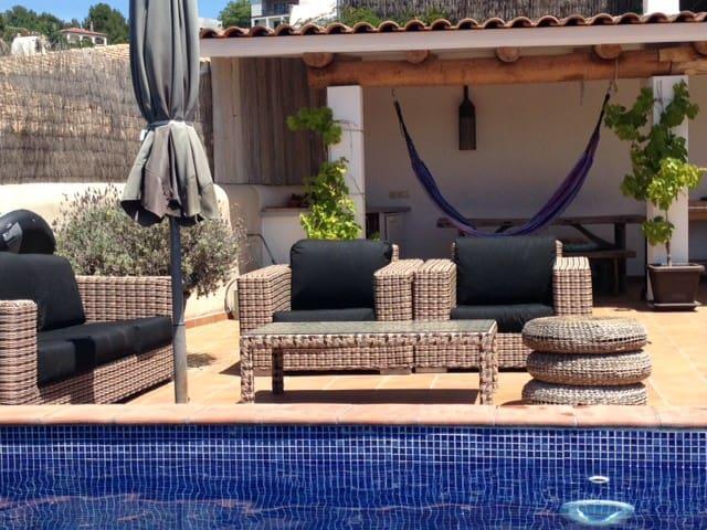 Casa Ibiza-Sitges-Olivella