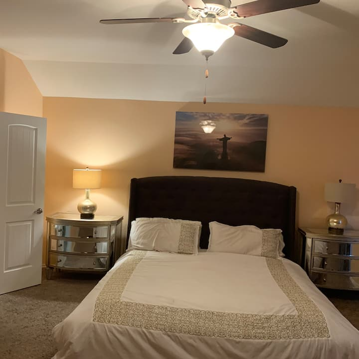 Master Bedroom near  Airport/McKinney Falls""