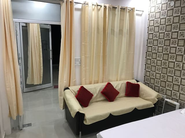 Tina Oasis - New Delhi - Appartement