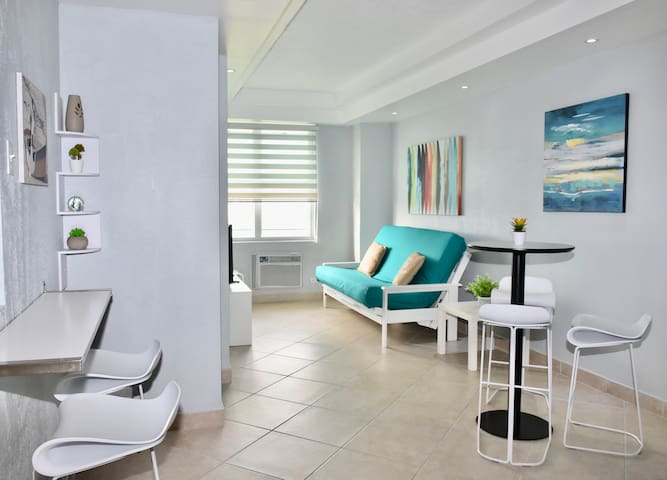 Beachy, clean and bright open space!