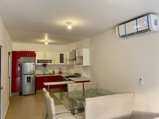Home near Las Americas / BEACH AVAILABLE IN JUNE