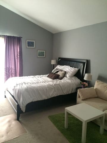 Comfy room with Queen size bed! - Placentia