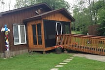 Porch on Waterview suite with handicap ramp