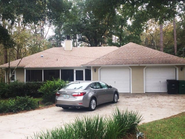 Beautiful 3/2 Home.  Fully Furnished.