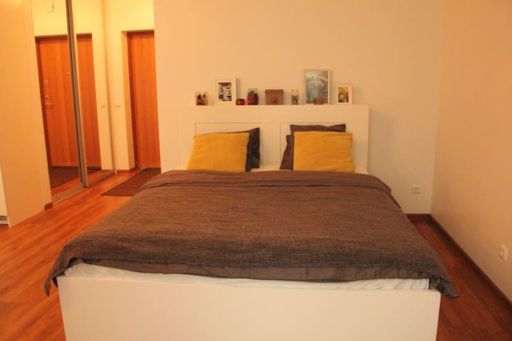 FREE transfers, great studio for fun/rest/shopping