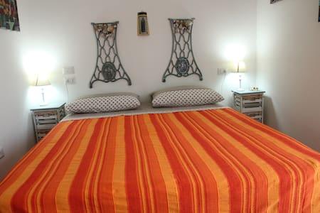 "Bed and Breakfast ""Castello"" - Crotone - Oda + Kahvaltı"