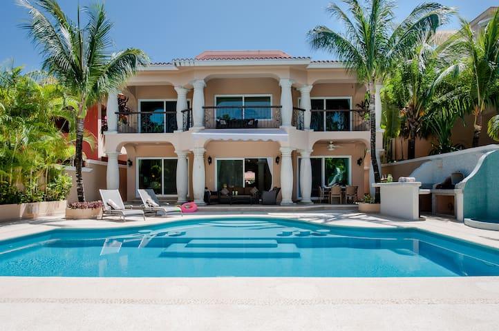 2 Luxury Villas Combined 10 Bdrms. - Puerto Aventuras - Villa