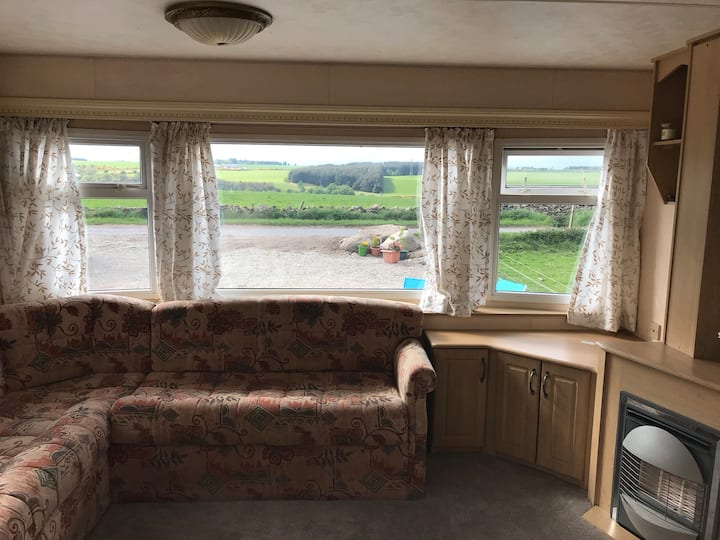 Spacious Caravan at Balaggan by Culloden Moor