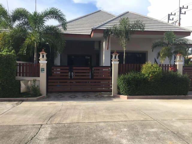 Dusit 近杜拉拉市场 家庭出行度假 带私人泳池独栋别墅
