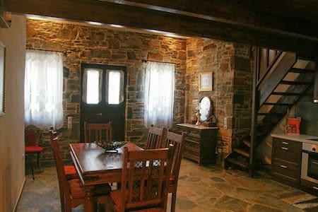 Kythnos - Traditional house in Dryopida