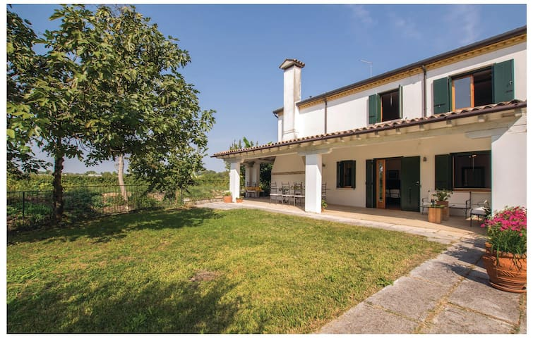 Semi-Detached with 3 bedrooms on 160 m² in Silea (TV)