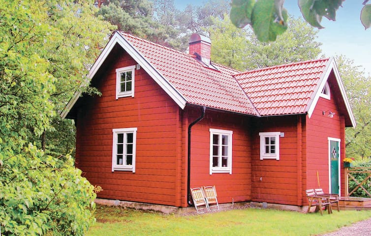 Holiday cottage with 2 bedrooms on 80m² in Ösmo