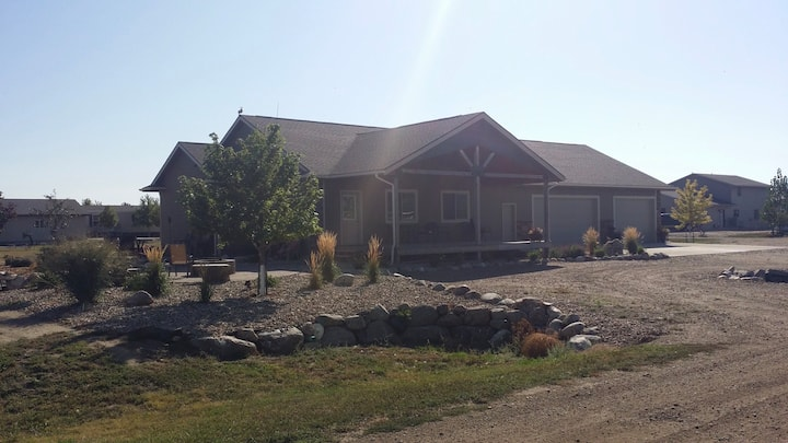 2 Bedroom House , Shared Space, Lake Oahe.