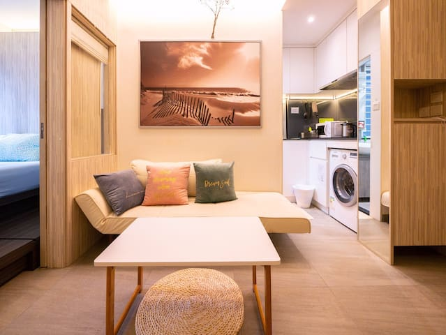 Small but Stylish Comfortable Apt in Wanchai