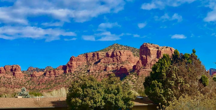 Bell Rock Paradise with views, newly remodeled.