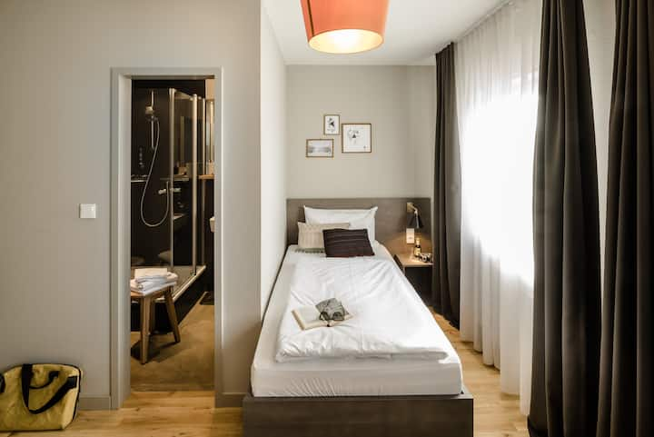 Single apartment in design hotel - near trade fair