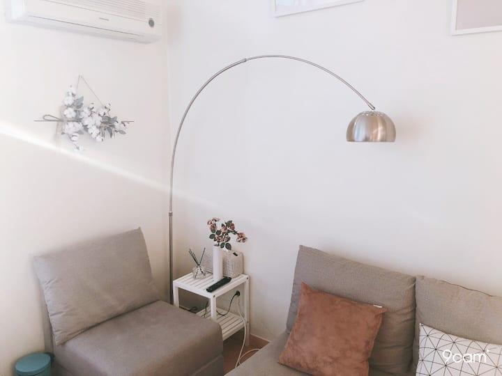 ❤️체크아웃 무료 연장 Event❤️상무지구 아늑한 복층 내방의 작은영화관