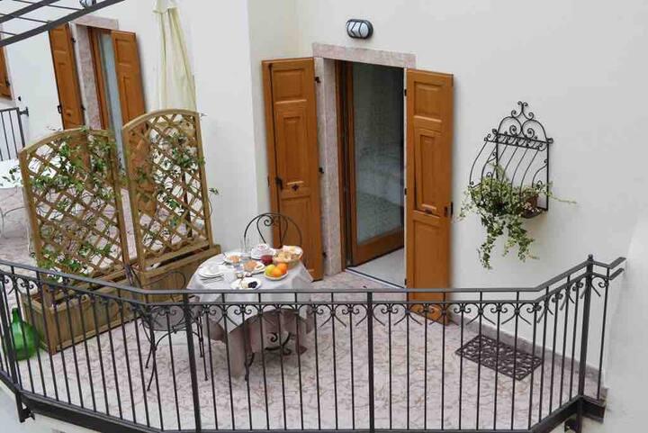 Romantico Appartamento  in residenza del 1700