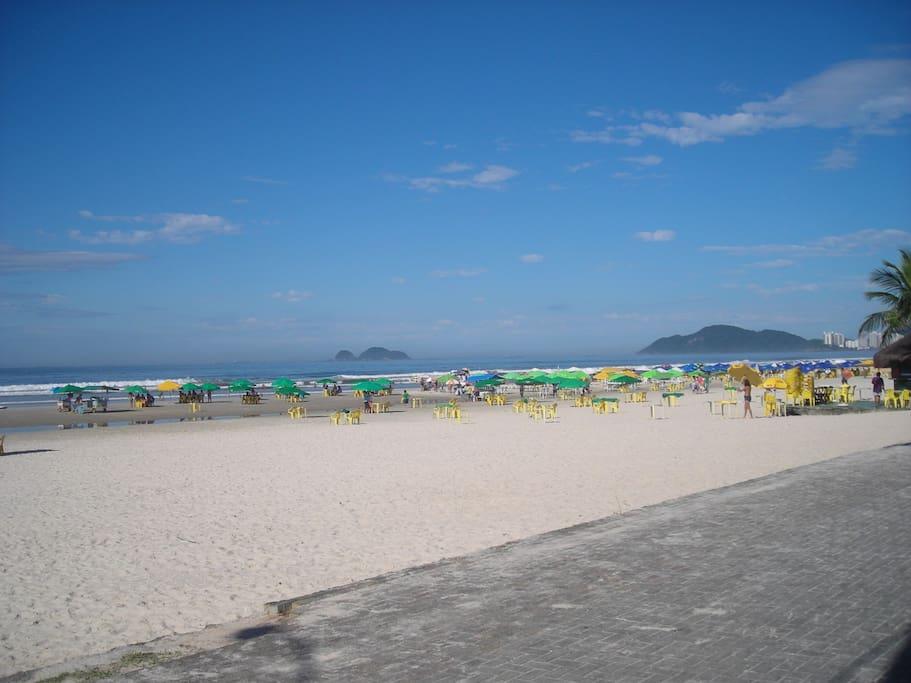 """Vista da """"nossa"""" praia da Enseada"""