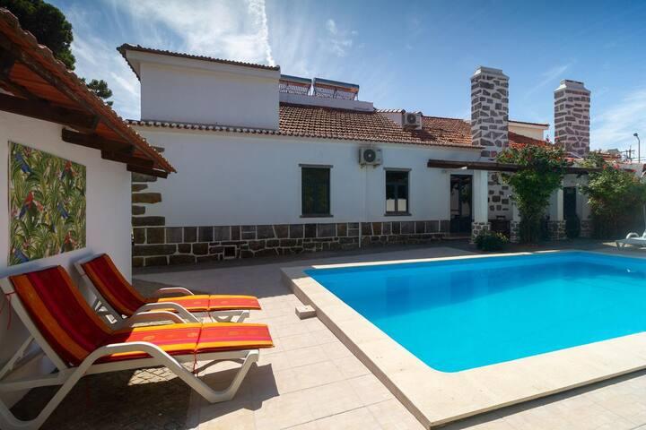 Santo António's GuestHouse - Suite França