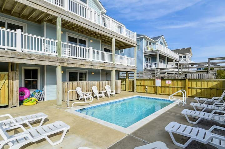 1677 Ocean's Eleven * Oceanfront * Dog Friendly * Private Pool * Pool Table