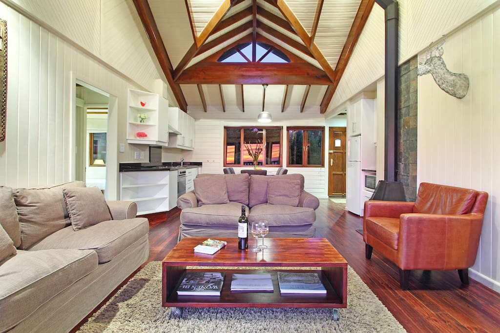 Phezulu Lodge lounge