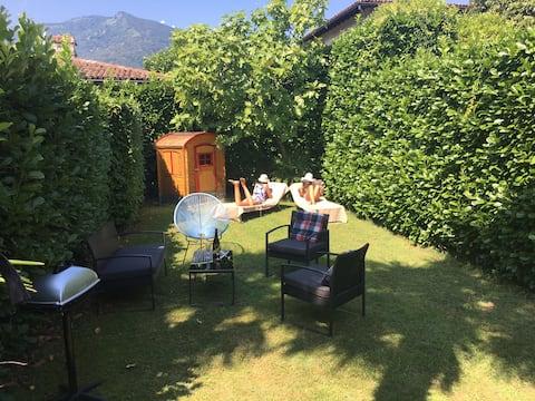 Studio with private garden lake Maggiore Ascona