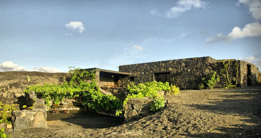 Eco Casa Bianca, the volcanic ecoretreat