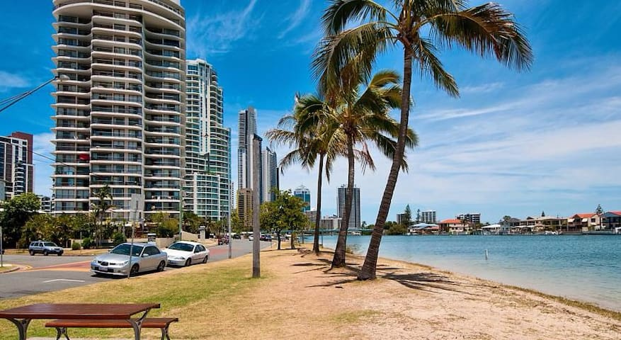Amazing View from Master Room - Surfers paradise - Apartament