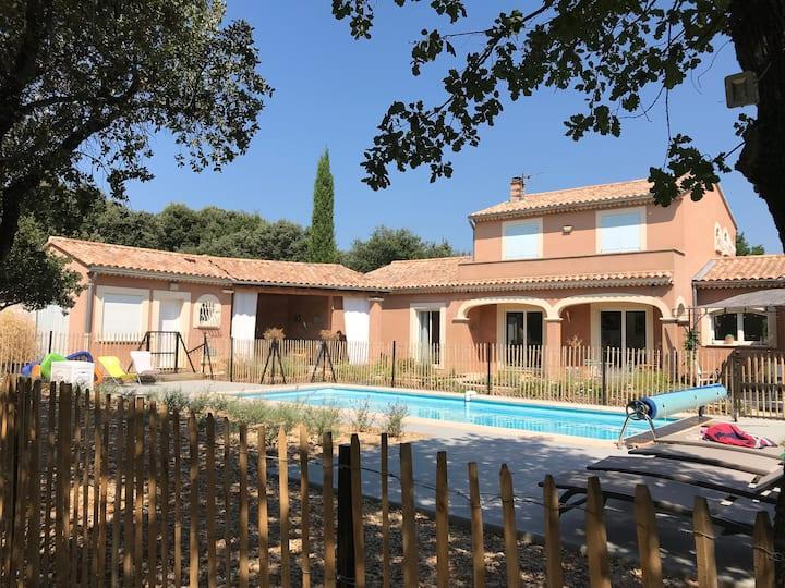 Villa provençale au cœur de la chênaie
