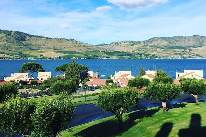 Newly Listed 3Bed 3Bath Lake Chelan Condo w/View