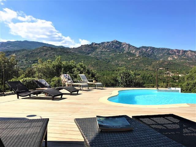 Villas mitoyennes piscine à débordement Suartello2