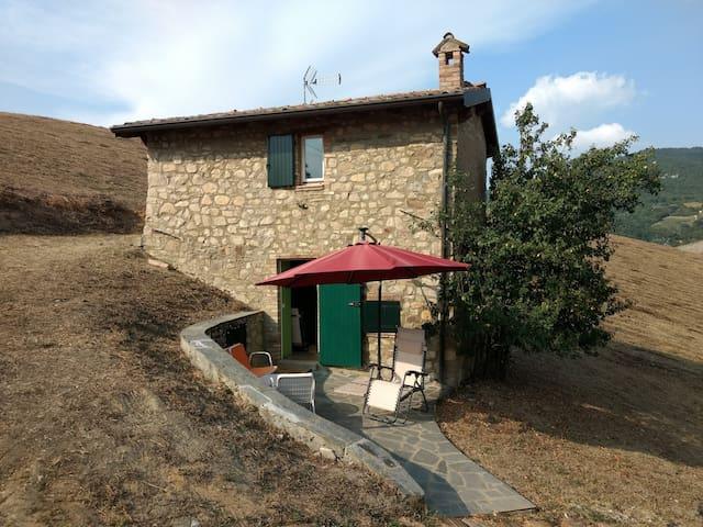 Casetta in sassi: relax con vista su Varzi