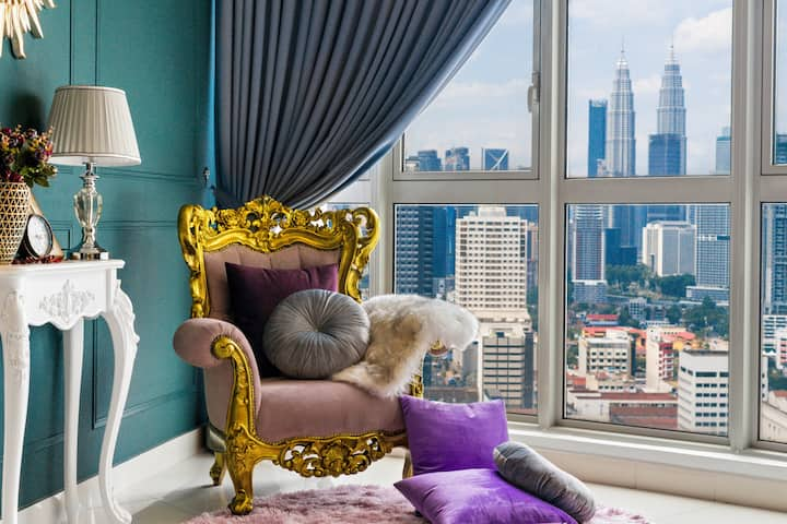 (B) Private Room in 3BR Hideaway with KLCC view