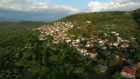 Relax & Roam in mountainous village, 20 min to sea