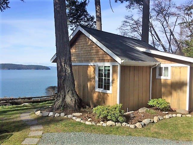 Eagles' Bluff Cabin