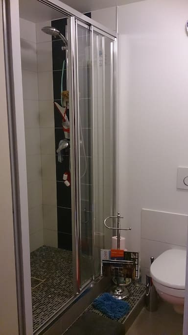 salle de douche dans mezzanine