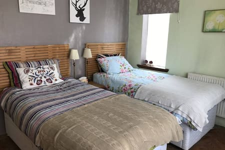 Private Room 2 bed in Manchester
