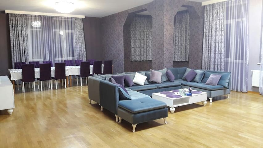 15 min by walk to the city center, 3 rooms - Baku - Apartament