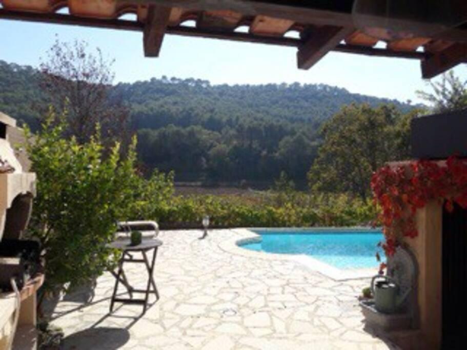 Maison avec piscine au coeur du vignoble bandolais for Piscine wine
