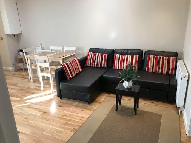 2 Bed Flat in Pinner - Pinner - Apartament